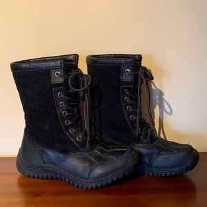 Riverland ugg style synthetic black lace up boots